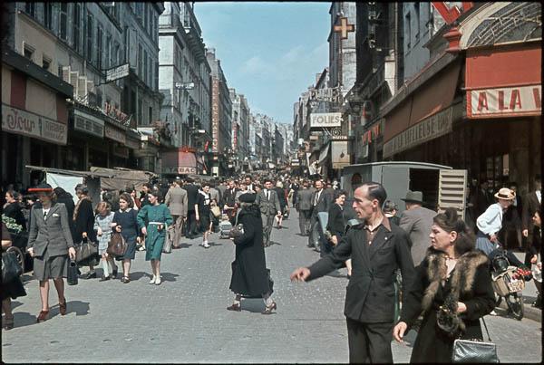 zucca_paris_1944_rue_de_belleville_andre_zucca_